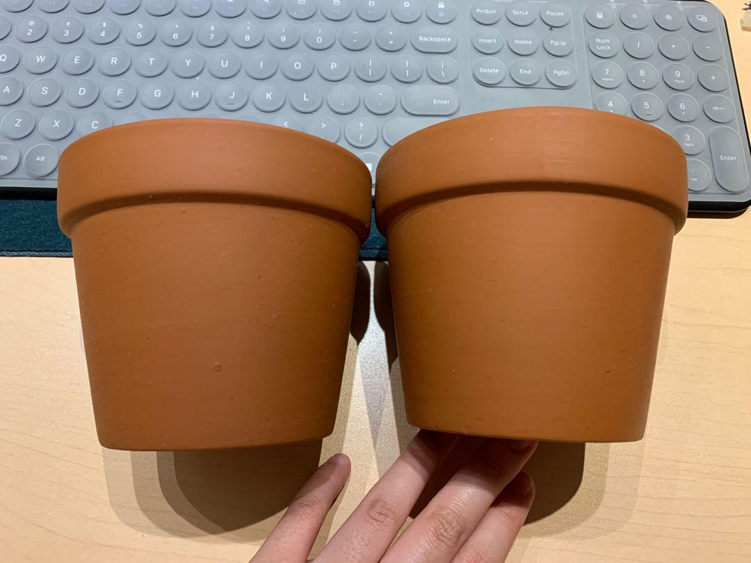 Terra cotta clay pots (pricing for both)