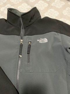 TNF Light Jacket