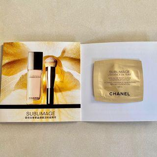 Chanel香奈兒 奢華晶燦賦活粉底精萃0.9ml