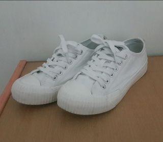 kangol 餅乾鞋  白