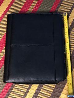 Like new Pelle black leather portfolio binder