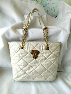 Lovcat Quilted Chained Bag