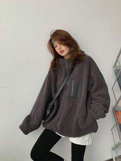 灰色羊羔毛外套 裡面的毛很暖很舒服🔥