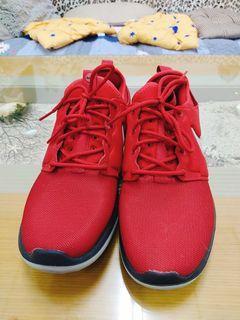 Nike運動休閒鞋