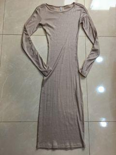 全新—韓系~金蔥《彈性》圓領合身洋裝S