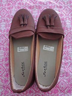 Sepatu flat / flat shoes