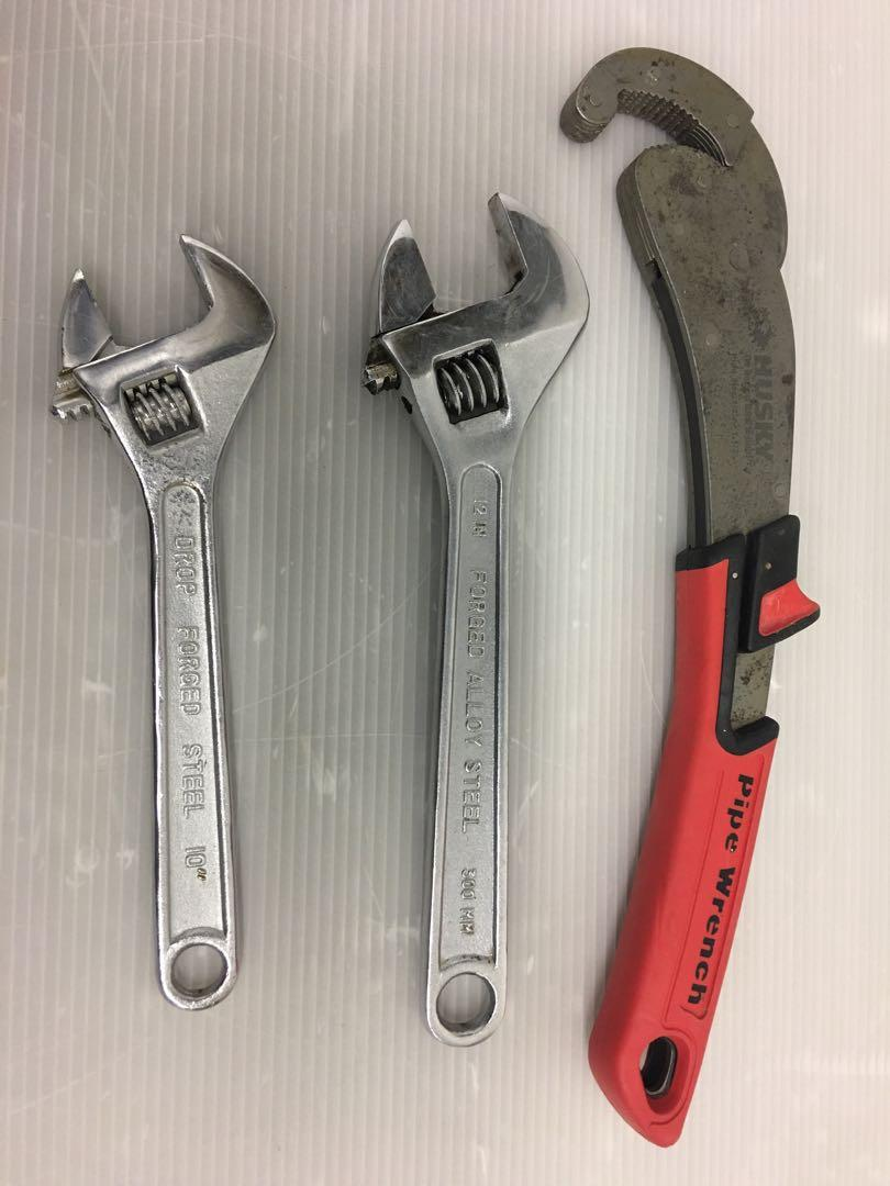 Wrenches set