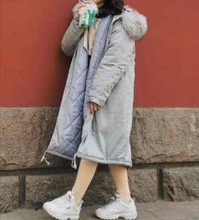 淺藍色長版秋冬外套