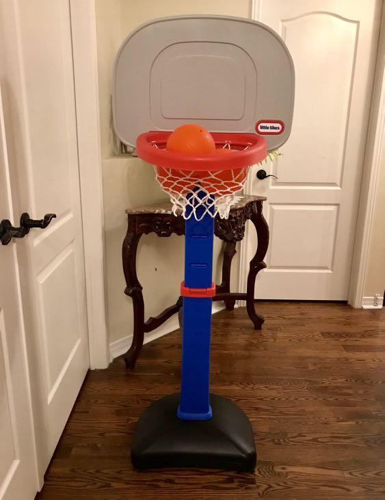 Basketball set ( adjustable)