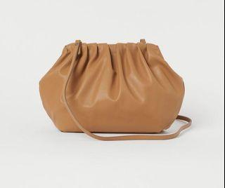 Brand new H&M purse with tags