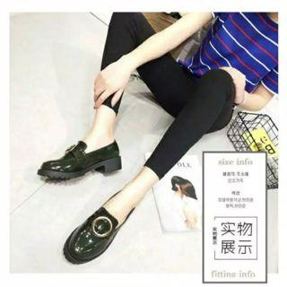 Bucklets Loafers Import