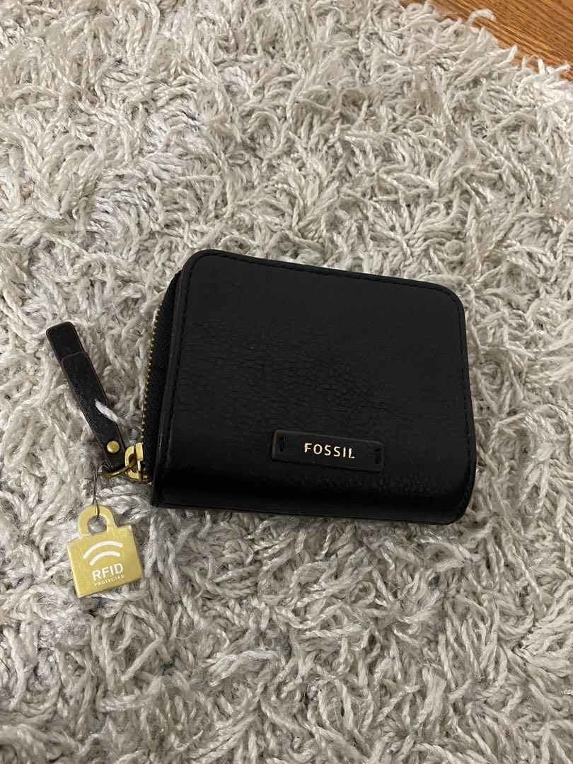 NEW Fossil wallet