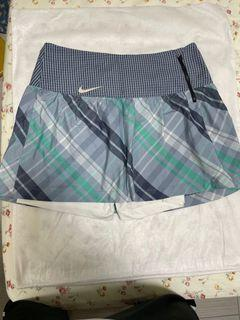Nike golf 裙(附短褲)