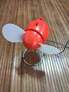 USB 電風扇 也可以放電池使用