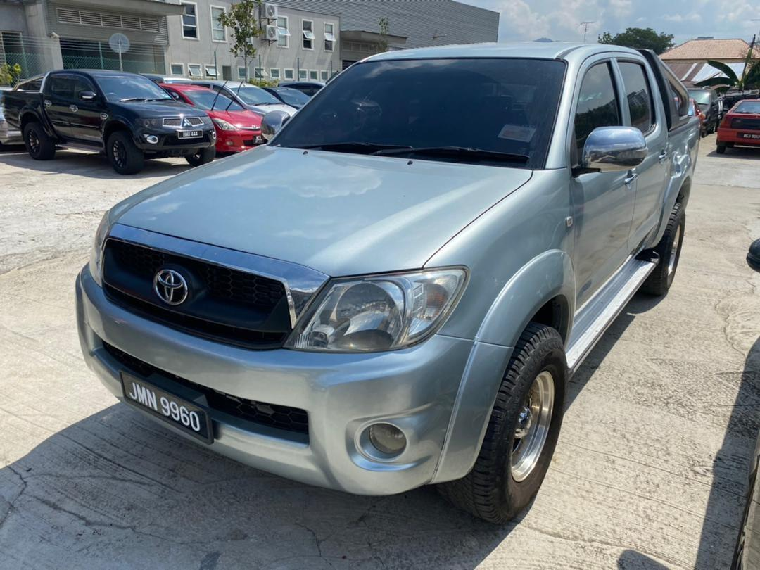 2010 Toyota Hilux  2.5 manual 4x4