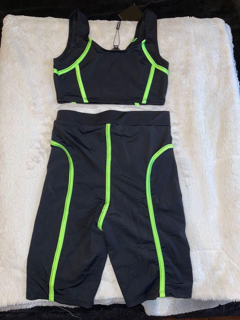Biker shorts & crop top