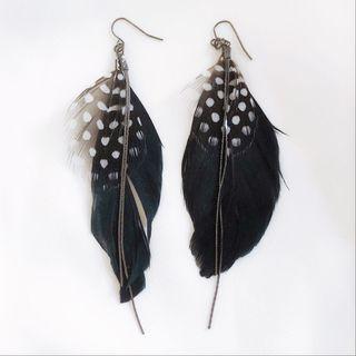 Feather earrings & boho rings/earrings