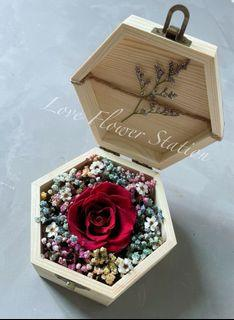 Small Wooden Box With Preserved Rose /Dried Rainbow Baby Breath/Mother's Day Flower/Graduation Flower Gift /Birthday Gift Idea / Preserved Red Rose