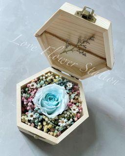 Small Wooden Box With Preserved Rose/Mother's Day Flower Gift/Graduation Flower Gift / Birthday Flower /Preserved Rose