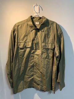 UNIQLO-男-軍綠襯衫