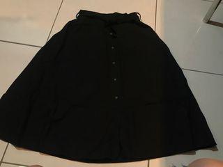 全新 黑色 釦子裙有內襯