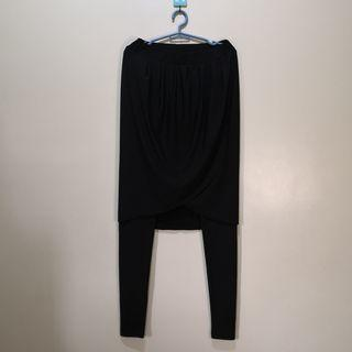 C1002 - NB Black Stretchable Leggings-style Pants with Skirt Overlay