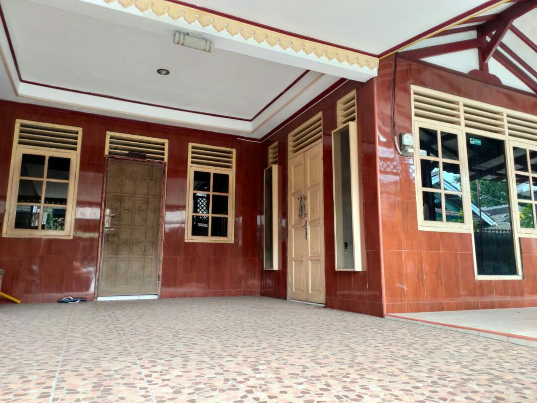 Rumah siap huni dalam komplek perumahan Duren jaya , bekasi timur