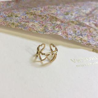 金色愛心鏤空戒指💍