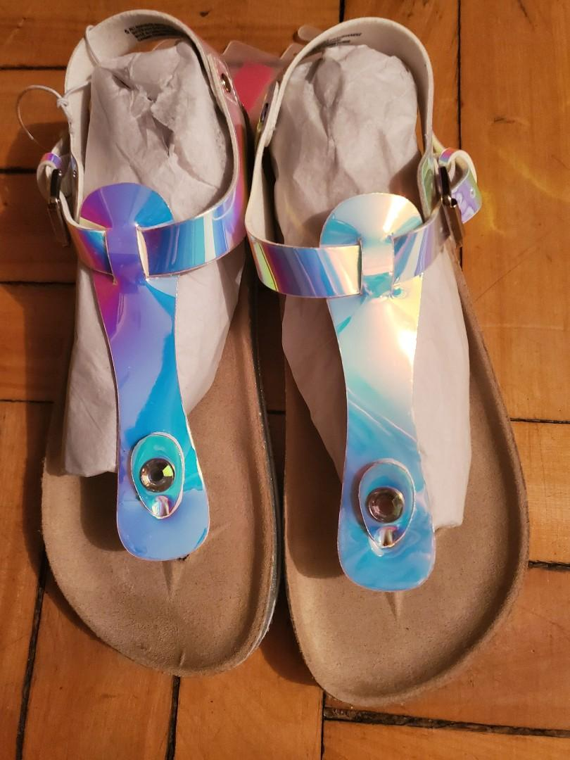 BNIB) Girls size 5y Holographic sandles
