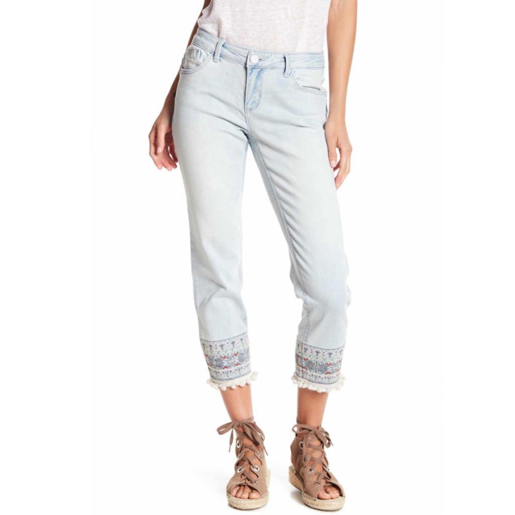 Democracy Embroidered Jeans  NWT