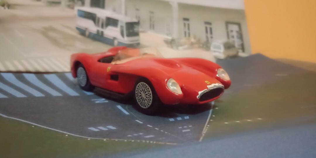 Diecast mobil Ferrari 250 testa rosa skala 1/43 brand Buragio