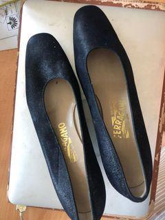 Authentic Ferragamo court shoes Size 7