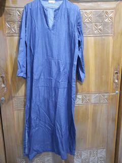 Maxi dress warna biru tua