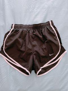 Nike 鬆緊運動短褲 S號 黑 女生