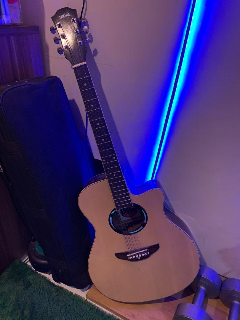 YAMAHA APX 500 Acoustic Guitar