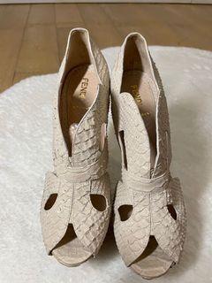 Fendi 高踭鞋
