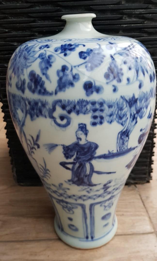 Guci antik biru putih tinggi 37 cm