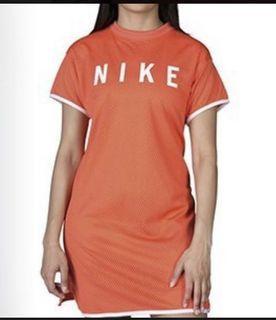 全新Nike洋裝