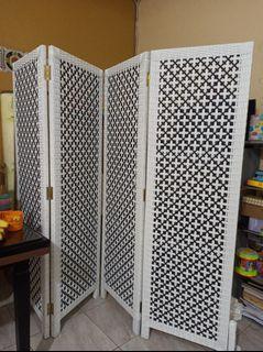 Partisi Ruangan Rotan bahan sintetis model minimalis 4 pintu