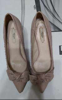 Prada粉色中跟鞋~
