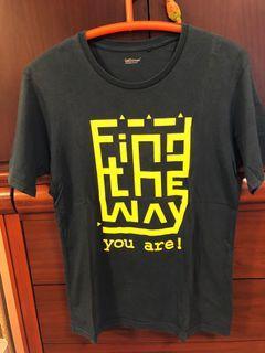 lativ 短袖 上衣 find the way  綠色