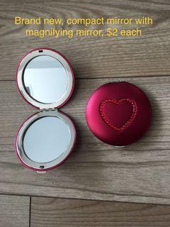New heart stud compact mirror magnifying mirror