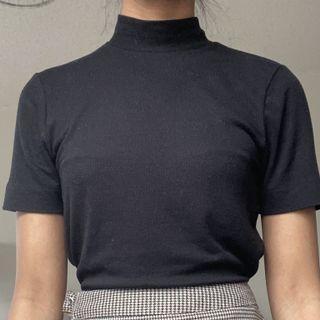 Simon's mock neck knit tee