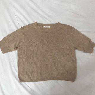 韓國燕麥色薄針織短袖上衣