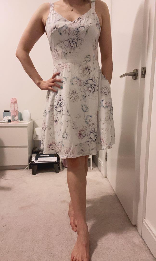Floral White Dress size M