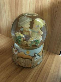 Precious Moments 陶瓷音樂盒