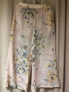Square pants floral print