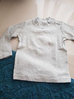 Sweater uniqlo baby