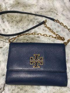 Toryburch chain on wallet handbag