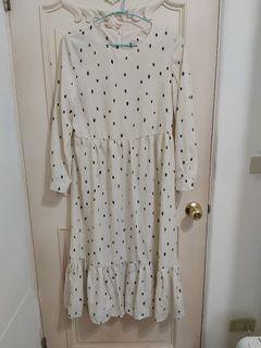 小點點米白洋裝